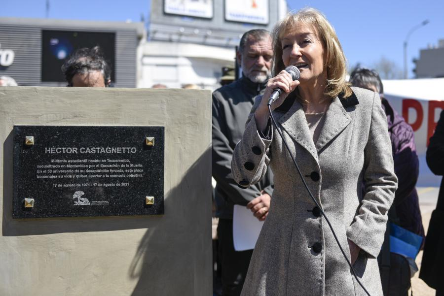 Placa en homenaje a Héctor Castagnetto