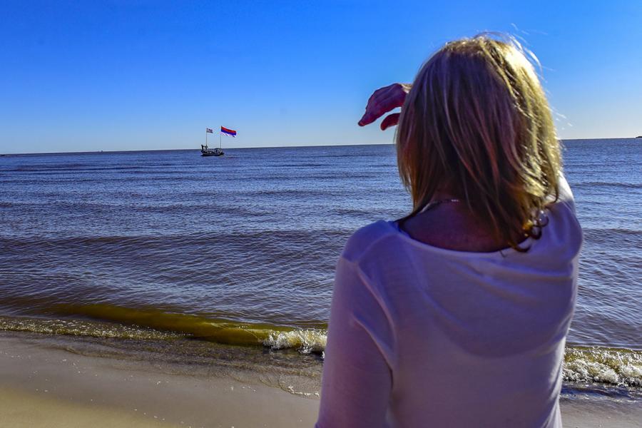 Banderolazo en Playa Ramírez