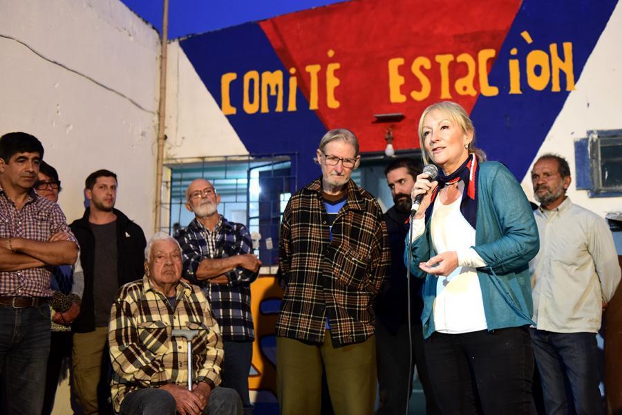 """Charla en comité de Base """"Barrio Estación"""" - Minas, Lavalleja"""