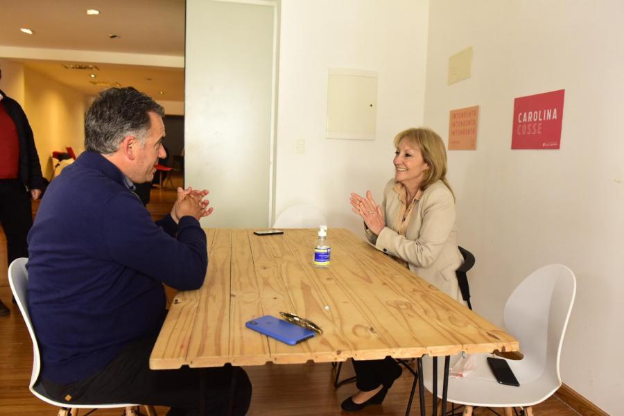 Carolina Cosse junto al intendente electo Yamandú Orsi